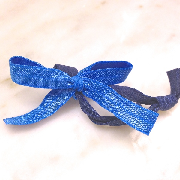 DIY hair bow from knotted hair tie from Pinkie Up